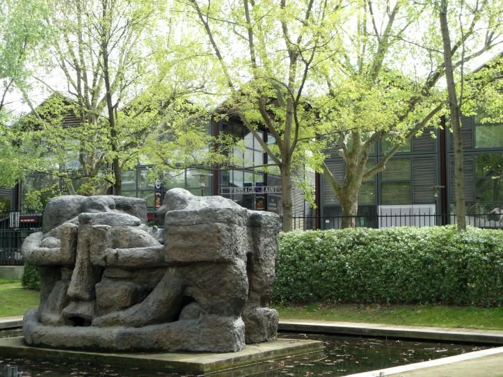 Galpões de Bercy Village, vistos do Parc de Bercy
