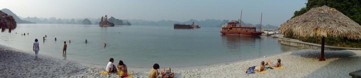 Baía de Halong / Foto de Carla Lencastre