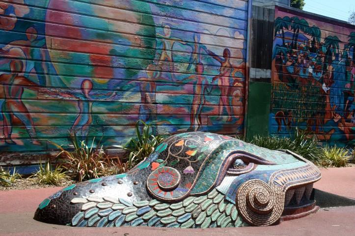 A serpente de mosaicos no York Minipark