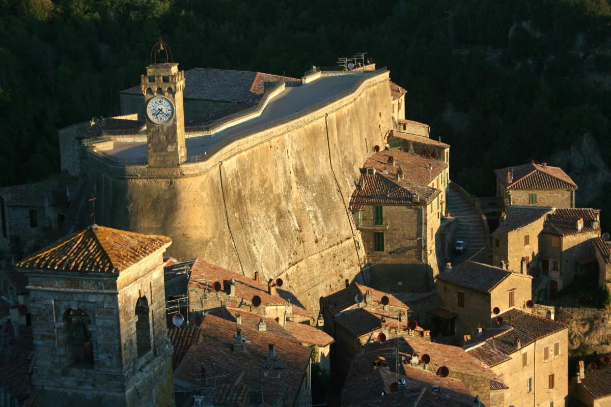 Três vilarejos etruscos nas colinas da Toscana