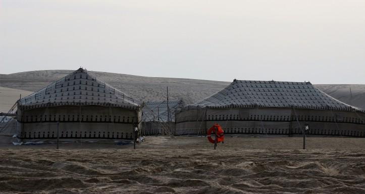 Acampamento nas areias do deserto do Qatar