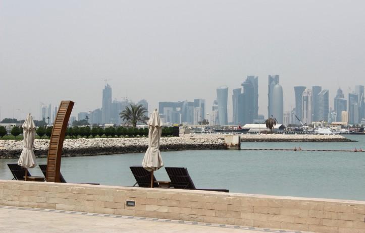 Doha vista do Sharq Village, hotel perto do aeroporto