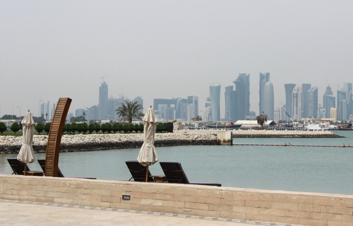 Doha vista do Sharq Village, hotel perto do aeroporto