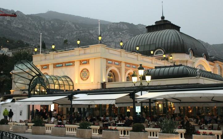O tradicional e delicioso Café de Paris