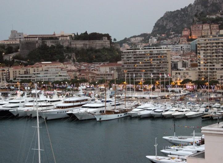 Iates na marina de Monte Carlo