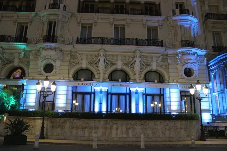 A fachada histórica do Hôtel de Paris