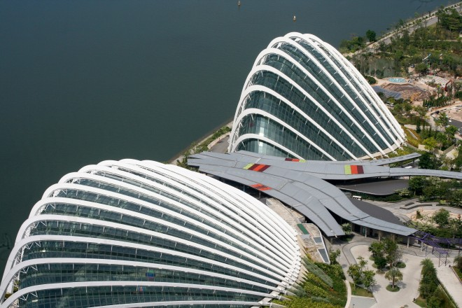Os domos do Gardens of the Bay visto do mirante do hotel Marina