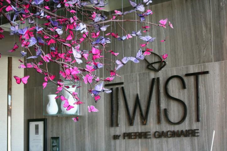 Borboletas na entrada do Twist, o restaurante de Pierre Gagnaire no Mandarin Oriental