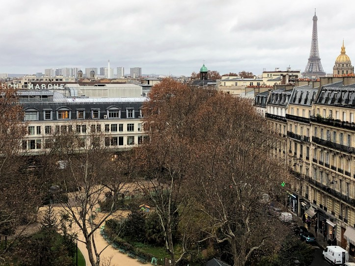 A Torre Eiffel vista do Hôtel Lutetia
